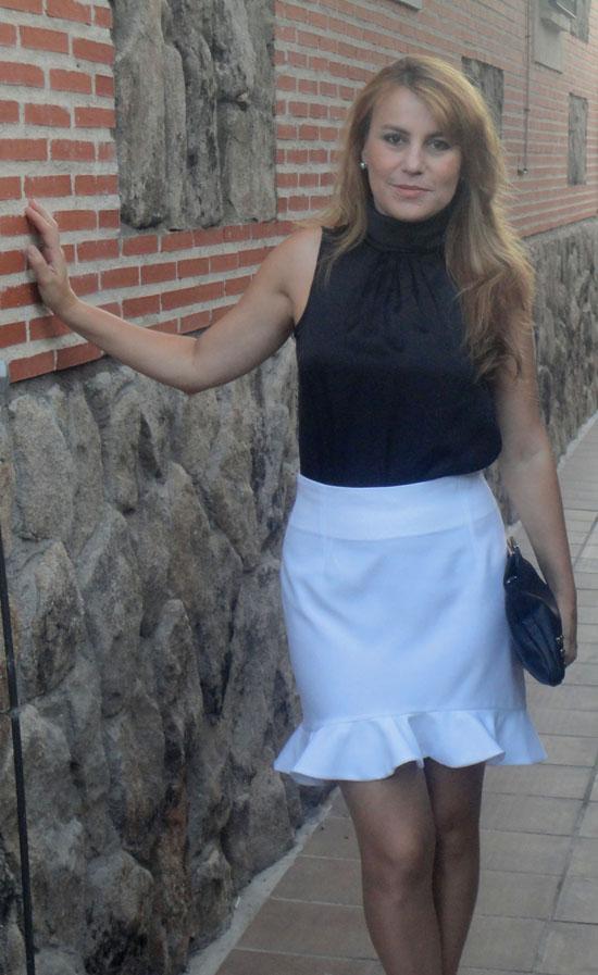 falda con cintura alta