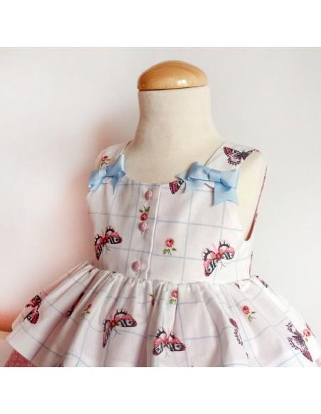 Girl dress with loop.