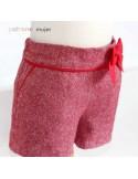 Shorts con bolsillo francés.