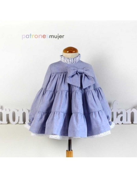 Ruffle dress  in the neck.