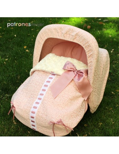 Mat baby stroller.
