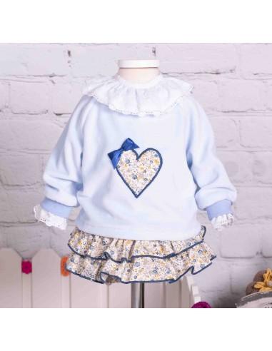 Girl sweatshirt outfit