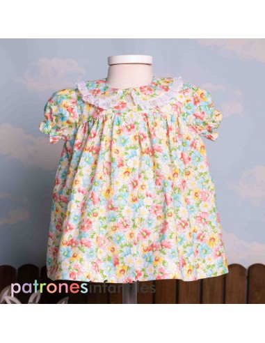 Pattern dress with collar